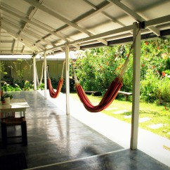 Main Lodge: Garden view hammocks. Perfect for midday naps!